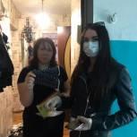 Волонтеры продолжают доставлять балаковским пенсионерам продукты, а многодетным семьям – медицинские маски
