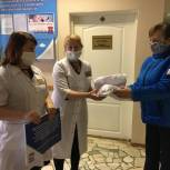 Николай Кузяков закупил более 1000 медицинских масок для жителей округа