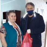 Пожилым людям из Петровского района волонтёры оказывают необходимую адресную помощь