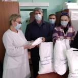 В Ухоловскую ЦРБ передали комплект одноразовых защитных костюмов