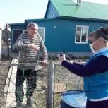 В Тальменском районе волонтеры доставляют ветеранам видеопоздравления с днем рождения