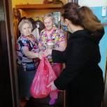 Депутат помогает доставить наборы продуктов нуждающимся саратовцам