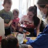 В Зарайске единороссы продолжают оказывать помощь многодетным семьям