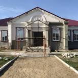 Партийцы и общественники контролируют ход ремонта ДК в селе Чадаевка