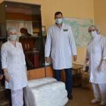 Виктор Кидяев передал мордовским медикам средства защиты во время пандемии