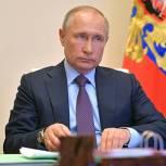 Владимир Путин внес в устав Вооруженных Сил запрет на гаджеты у военных