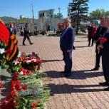 Александр Романенко принял участие во всероссийской акции «Цветы Победы»