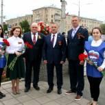 Орские единороссы почтили память участников Великой Отечественной войны