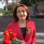 В Барнауле депутаты Госдумы возложили цветы к Мемориалу Славы по просьбам ветеранов