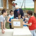 Многодетной семье из Заводоуковского городского округа подарили ноутбук