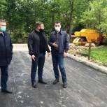 Координатор партпроекта вместе с жителями Аткарска оценил благоустройство райцентра
