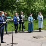 В Дзержинском прошла партийная акция «Спасибо врачам»