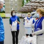 Медицинским работникам Орехово-Зуевского округа подарили чайные наборы