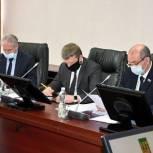 """На фракции """"Единой России"""" депутаты обсудили вопросы предстоящей сессии"""