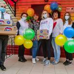 В Орехово-Зуевском городском округе единороссы поздравили юных горожан с Днём защиты детей