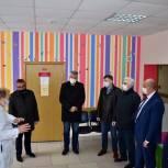 Партийцы Реутова оборудуют «Добрую комнату» в городской детской поликлинике