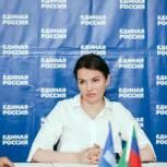 Зумруд Бучаева: «Инициативы «Единой России» помогут в решении проблемы кадрового дефицита медицинских работников на селе»