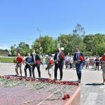 В Сергиевом Посаде прошла минута молчания и возложение цветов к Мемориалу Славы