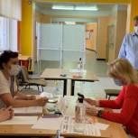 Дмитрий Денисов проверил ход голосования на избирательных участках в Королёве