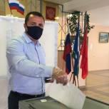 Чемпион мира по боксу Денис Лебедев проголосовал в Чехове
