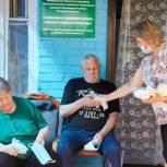 Ильдар Акчурин передал средства индивидуальной защиты в Дом-интернат для пожилых и инвалидов