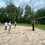 В Балашихе молодогвардейцы и сторонники «Единой России» провели зарядку с чемпионом мира