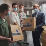 Жуковские единороссы оказали помощь врачам инфекционного отделения