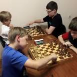 Раменские единороссы поддержали Международный день шахмат