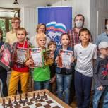 Единороссы поприветствовали участников шахматного турнира в Одинцово