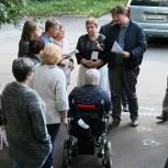Владимир Жук встретился с жителями дома № 26 по ул. Томилинской в Дзержинском