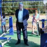 На улице Сельских Строителей открыли новую спортплощадку