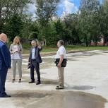 На территории рязанской школы №21 строят современную спортплощадку