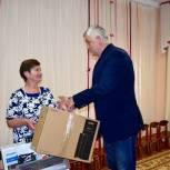 Тарас Ефимов передал компьютер для организации рабочего места педагога-логопеда в детском саду Балашихи