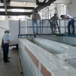 Очир Очиров проинспектировал ход демонтажных работ на очистительных сооружениях города Лагани