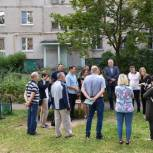 Тарас Ефимов обсудил с жителями улицы Пионерской благоустройство дворовой территории