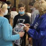 Единороссы городского округа Клин приняли участие в акции «Соберем ребенка в школу»