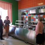 Депутаты проводят мониторинг школ