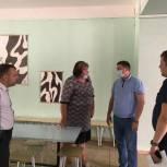 В преддверии нового учебного года Евгений Ковалев осмотрел школы Волжского района