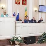 """В Законодательном Собрании состоялось заседание фракции """"Единая Россия"""""""