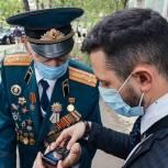 Игорь Брынцалов поздравил участника войны с 99-летием