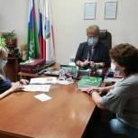 Депутат оказала помощь нуждающимся жителям Ленинского района