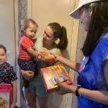 Тюменские единороссы помогли многодетной семье  собраться в школу