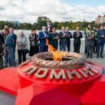 Владимир Мякуш принял участие в митинге памяти в обновленном сквере Победы в Каслях