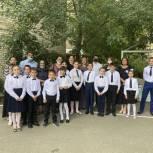 Единороссы посетили школу-интернат для глухих и слабослышащих детей