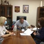 На тематическом приеме по вопросам здравоохранения 13 заводчан получили помощь и консультации