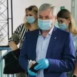 Владимир Мякуш проголосовал на выборах в Заксобрание