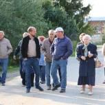 Можайские единороссы проверили ход работ по модернизации водозаборного узла в поселке Колычево