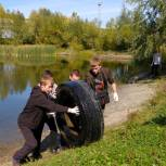По инициативе депутата бийчане вышли на большой субботник на озере Ковалёвском