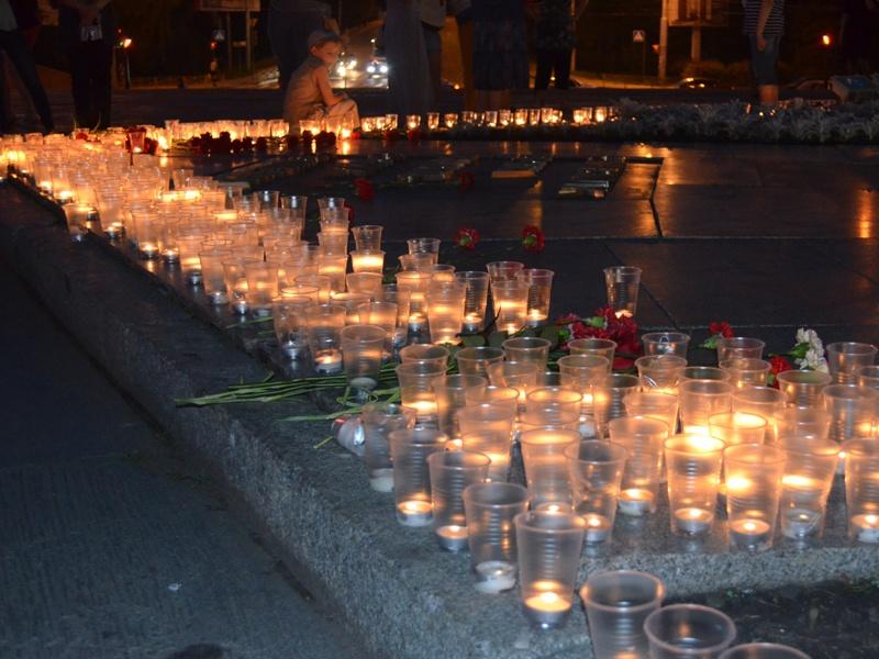 Тысячи пензенцев зажгли «Свечу Памяти»