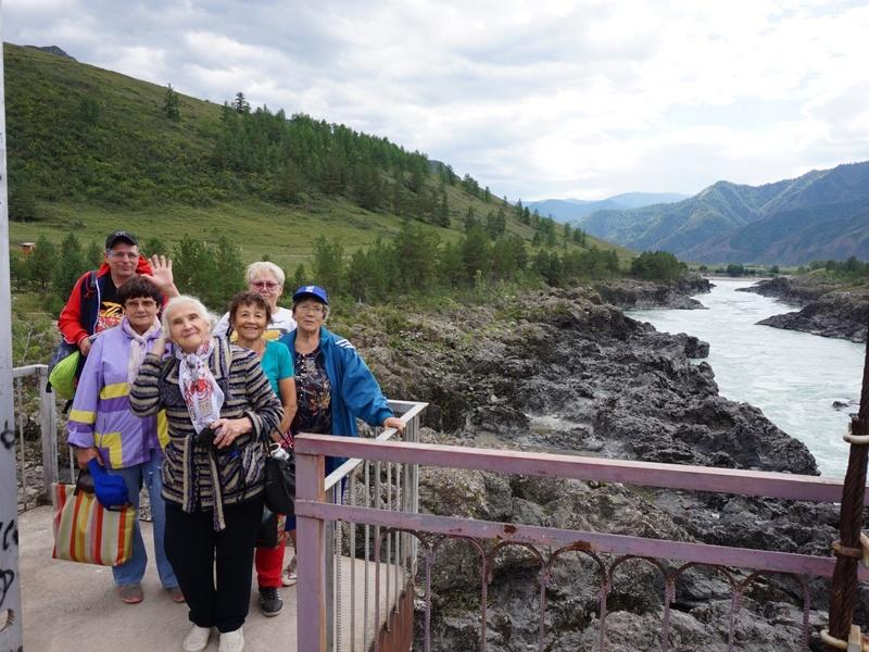 Партпроект «Старшее поколение» организовал экскурсию для людей старшего возраста